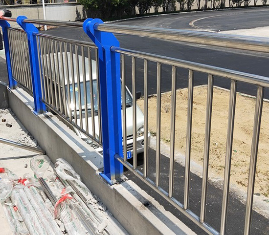 广东不锈钢复合管护栏